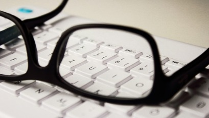 glasses-2211445_640